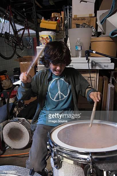 Un garçon tambour