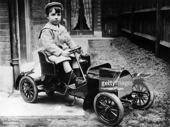 Boy in 1908 Mercedes 28/32 hp pedal car c1908 This pedal Mercedes 28/32 hp was made by Felix Hoddess in 1908 for his son Maurice