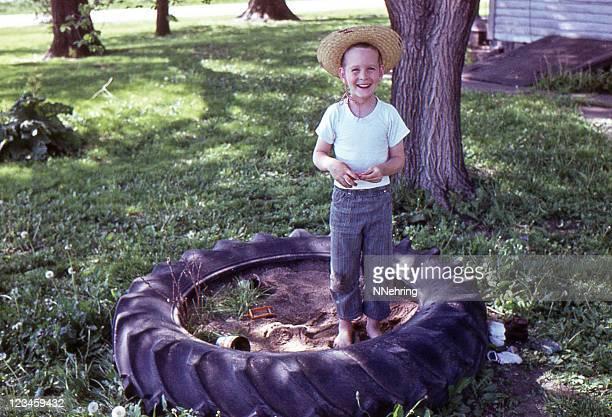 Junge im Sandkasten 1964, retro
