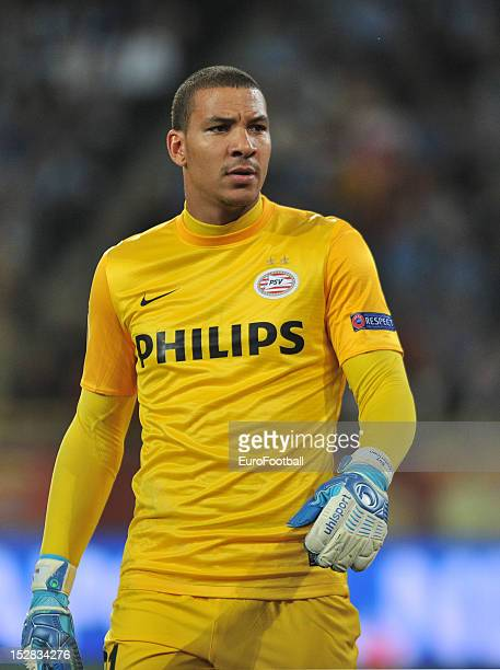 Boy Waterman of PSV Eindhoven in action during the UEFA Europa League group stage match between FC Dnipro Dnipropetrovsk and PSV Eindhoven on...