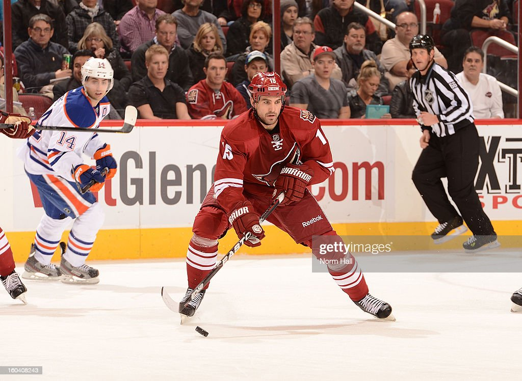 <a gi-track='captionPersonalityLinkClicked' href=/galleries/search?phrase=Boyd+Gordon&family=editorial&specificpeople=209395 ng-click='$event.stopPropagation()'>Boyd Gordon</a> #15 of the Phoenix Coyotes skates the puck up ice against the Edmonton Oilers at Jobing.com Arena on January 30, 2013 in Glendale, Arizona.