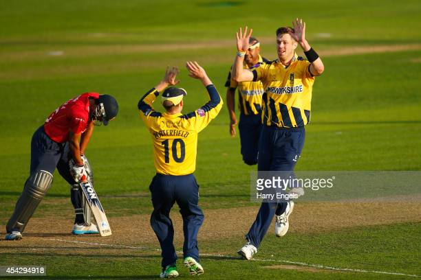 Boyd Rankin of Warwickshire celebrates with teammates after dismissing Ravi Bopara of Essex during the Royal London OneDay Cup Quarter Final match...