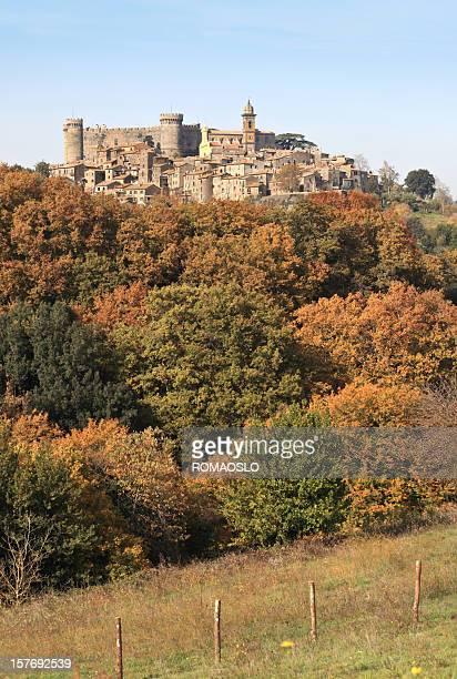 Bracciano Odescalchi e castello in autunno, Lazio Italia