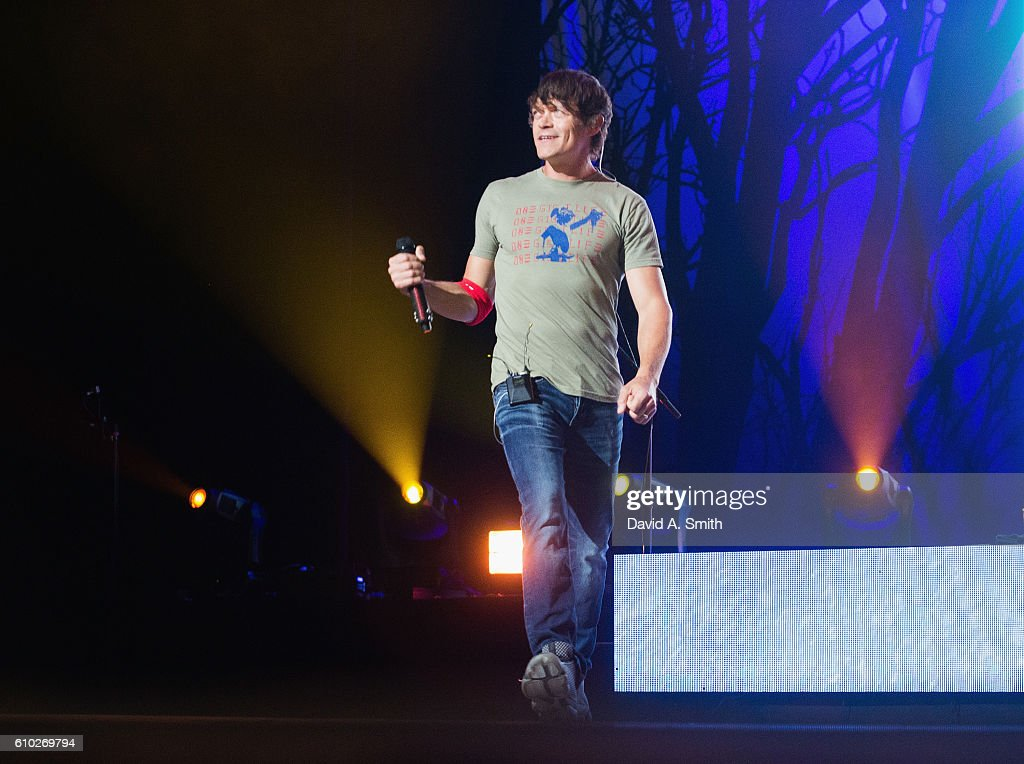 Brad Arnold of 3 Doors Down performs at Birmingham-Jefferson Civic Center on September 24, 2016 in Birmingham, Alabama.
