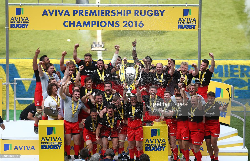 <a gi-track='captionPersonalityLinkClicked' href=/galleries/search?phrase=Brad+Barritt&family=editorial&specificpeople=4542508 ng-click='$event.stopPropagation()'>Brad Barritt</a> of Saracens lifts the trophy after victory in the Aviva Premiership final match between Saracens and Exeter Chiefs at Twickenham Stadium on May 28, 2016 in London, England.