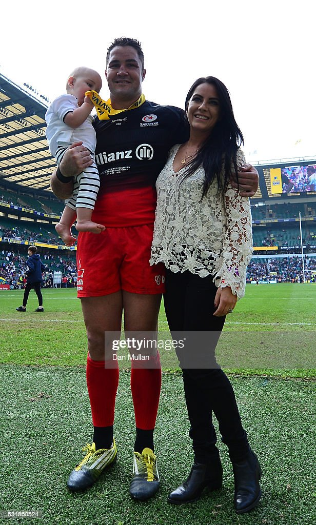 <a gi-track='captionPersonalityLinkClicked' href=/galleries/search?phrase=Brad+Barritt&family=editorial&specificpeople=4542508 ng-click='$event.stopPropagation()'>Brad Barritt</a> of Saracens with his family celebrate winning the Aviva Premiership final match between Saracens and Exeter Chiefs at Twickenham Stadium on May 28, 2016 in London, England.