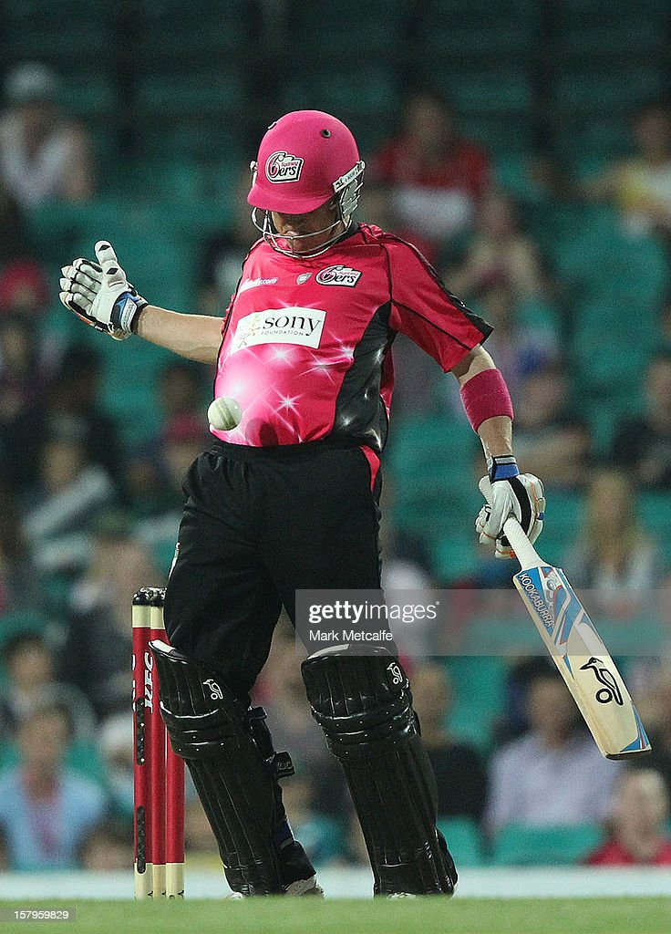 Brad Haddin of the Sixers controls the ball with his chest during the Big Bash League match between the Sydney Sixers and the Sydney Thunder at Sydney Cricket Ground on December 8, 2012 in Sydney, Australia.