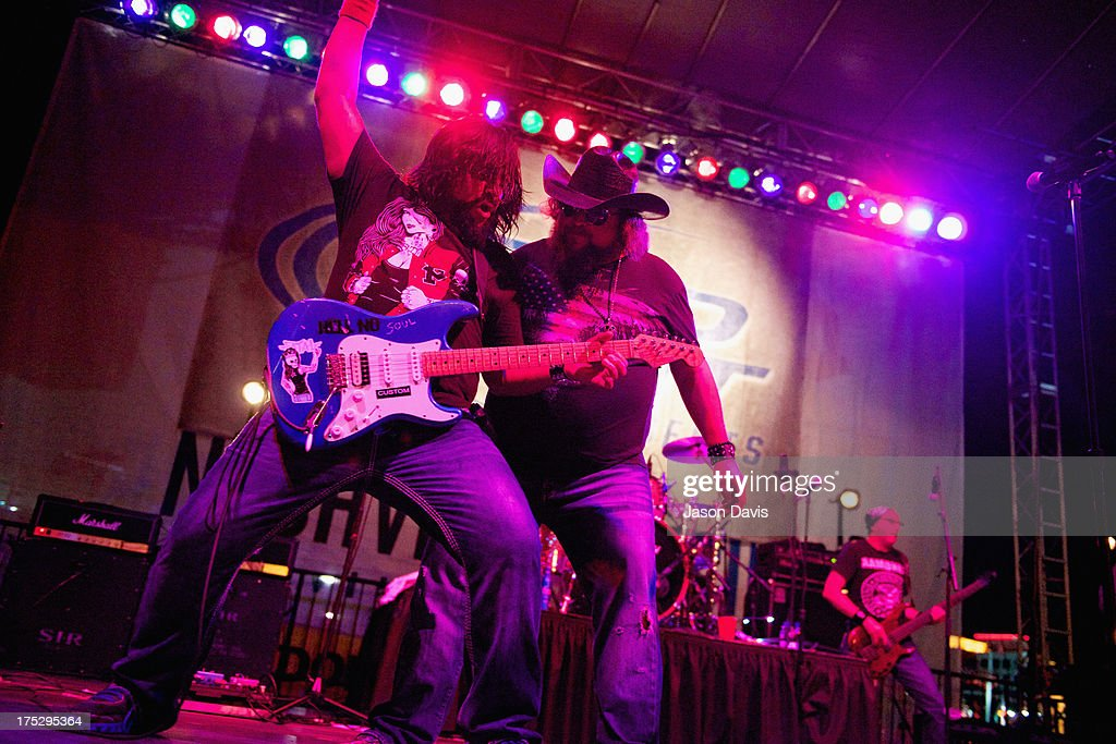 Brad Henderson and <a gi-track='captionPersonalityLinkClicked' href=/galleries/search?phrase=Colt+Ford&family=editorial&specificpeople=5348774 ng-click='$event.stopPropagation()'>Colt Ford</a> perform during Bud Light Music First 50/50/1 on August 1, 2013 in Nashville, Tennessee.