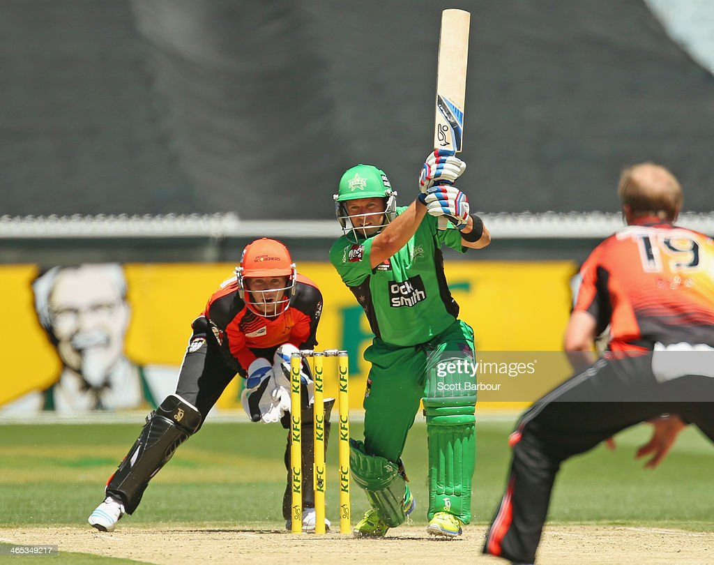 Brad Hodge of the Stars bats during the Big Bash League match between the Melbourne Stars and the Perth Scorchers at Melbourne Cricket Ground on January 27, 2014 in Melbourne, Australia.