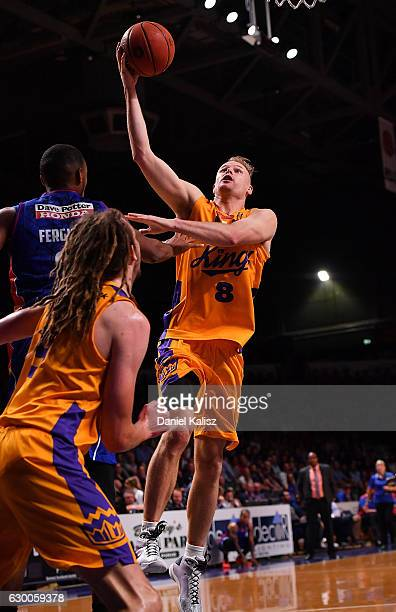 Brad Newley of the Sydney Kings drives to the basket during the round 11 NBL match between Adelaide 36ers and the Sydney Kings on December 16 2016 in...