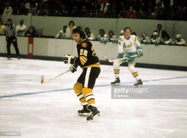 Brad Park of the Boston Bruins skates on the ice during an NHL game against the California Golden Seals circa 1975 at the Oakland Coliseum Arena in...