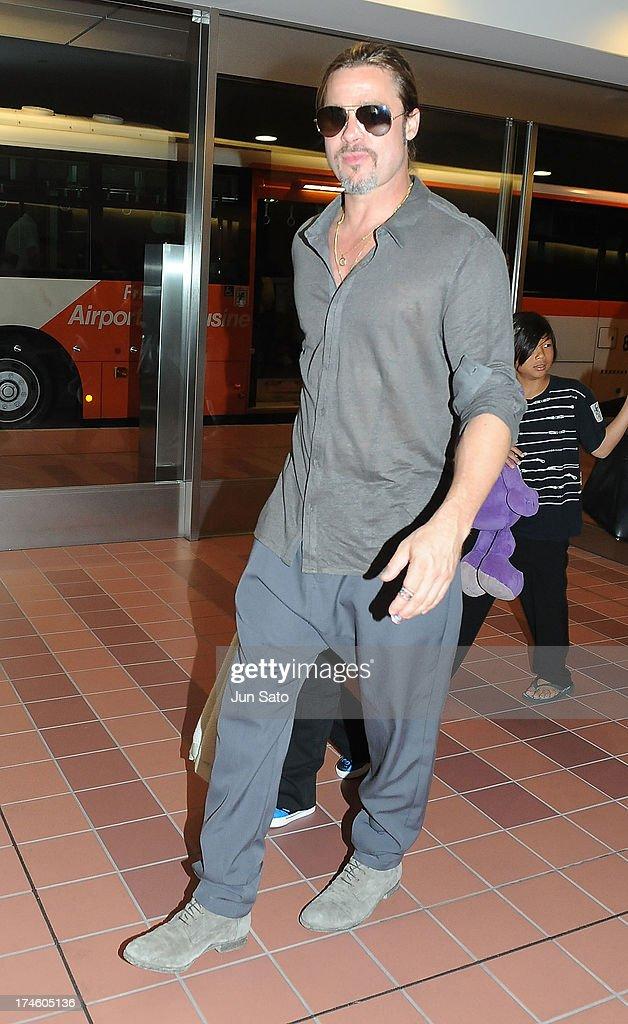 Brad Pitt arrives at Tokyo International Airport on July 28, 2013 in Tokyo, Japan.