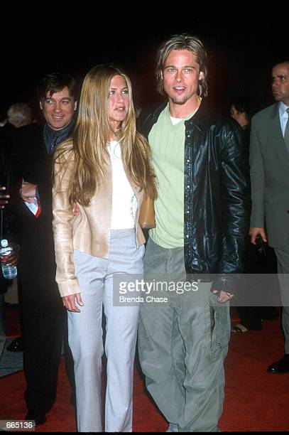 Brad Pitt Jennifer Aniston attending the Los Angeles Premiere of the new movie 'Erin Brockovich' Westwood California March 142000