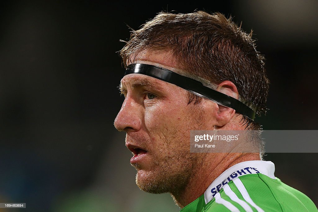 <a gi-track='captionPersonalityLinkClicked' href=/galleries/search?phrase=Brad+Thorn&family=editorial&specificpeople=224056 ng-click='$event.stopPropagation()'>Brad Thorn</a> of the Highlanders looks on after being defeated during the round 15 Super Rugby match between the Western Force and the Highlanders at nib Stadium on May 25, 2013 in Perth, Australia.