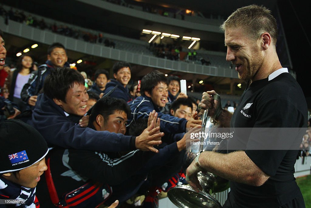 Brad Thorn of the Wallabies shares the Bledisloe Cup with fans after winning the TriNations Bledisloe Cup match between the New Zealand All Blacks...