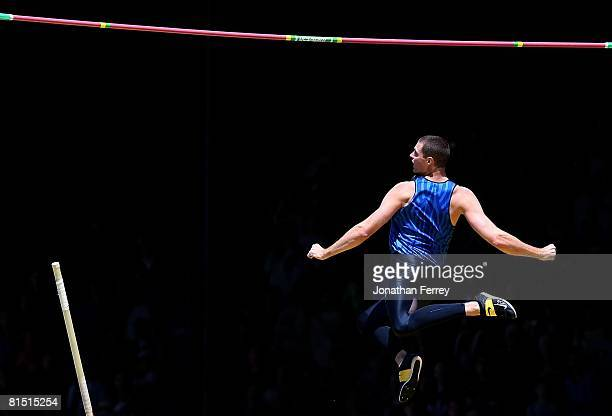 Brad Walker of the United States clears the bar to set an new American pole vault record of 604 meters during the Prefontaine Classic on June 8 2008...