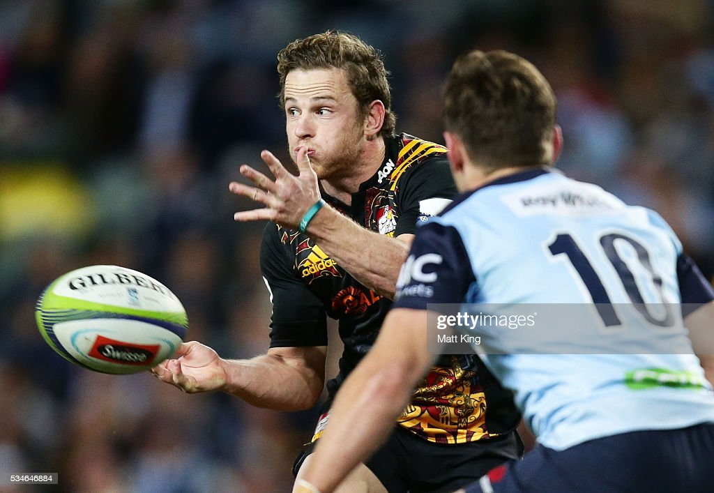 Brad Weber of the Chiefs passes during the round 14 Super Rugby match between the Waratahs and the Chiefs at Allianz Stadium on May 27, 2016 in Sydney, Australia.