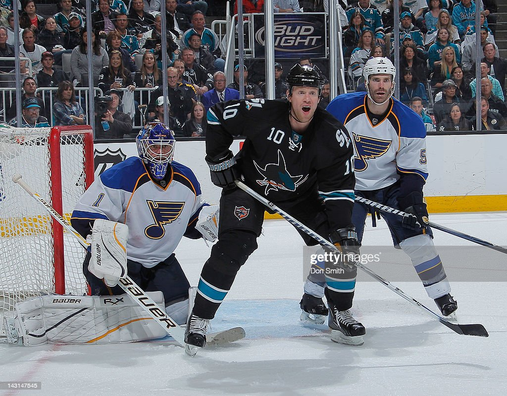 <a gi-track='captionPersonalityLinkClicked' href=/galleries/search?phrase=Brad+Winchester&family=editorial&specificpeople=590444 ng-click='$event.stopPropagation()'>Brad Winchester</a> #10 of the San Jose Sharks creates traffic in front of the net against Billy Elliott #1 and <a gi-track='captionPersonalityLinkClicked' href=/galleries/search?phrase=Barret+Jackman&family=editorial&specificpeople=213384 ng-click='$event.stopPropagation()'>Barret Jackman</a> #5 of the St. Louis Blues in Game Four of the Western Conference Quarterfinals during the 2012 NHL Stanley Cup Playoffs at HP Pavilion on April 19, 2012 in San Jose, California.
