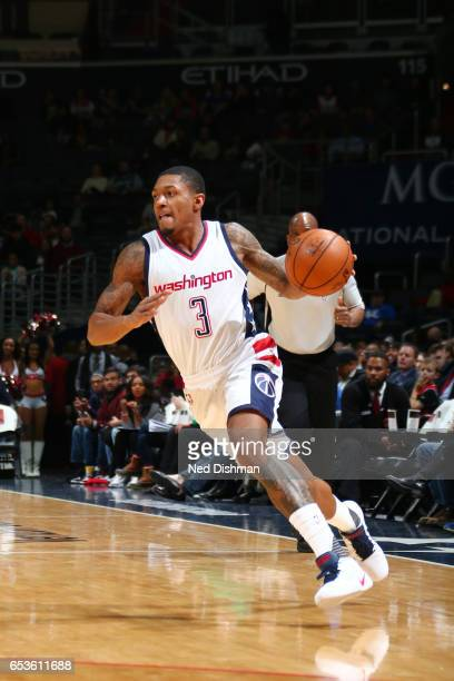 Bradley Beal of the Washington Wizards drives to the basket against the Dallas Mavericks during the game on March 15 2017 at Verizon Center in...