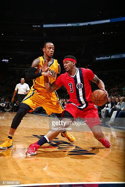 Bradley Beal of the Washington Wizards handles the ball against the Indiana Pacers on March 5 2016 at Verizon Center in Washington DC NOTE TO USER...