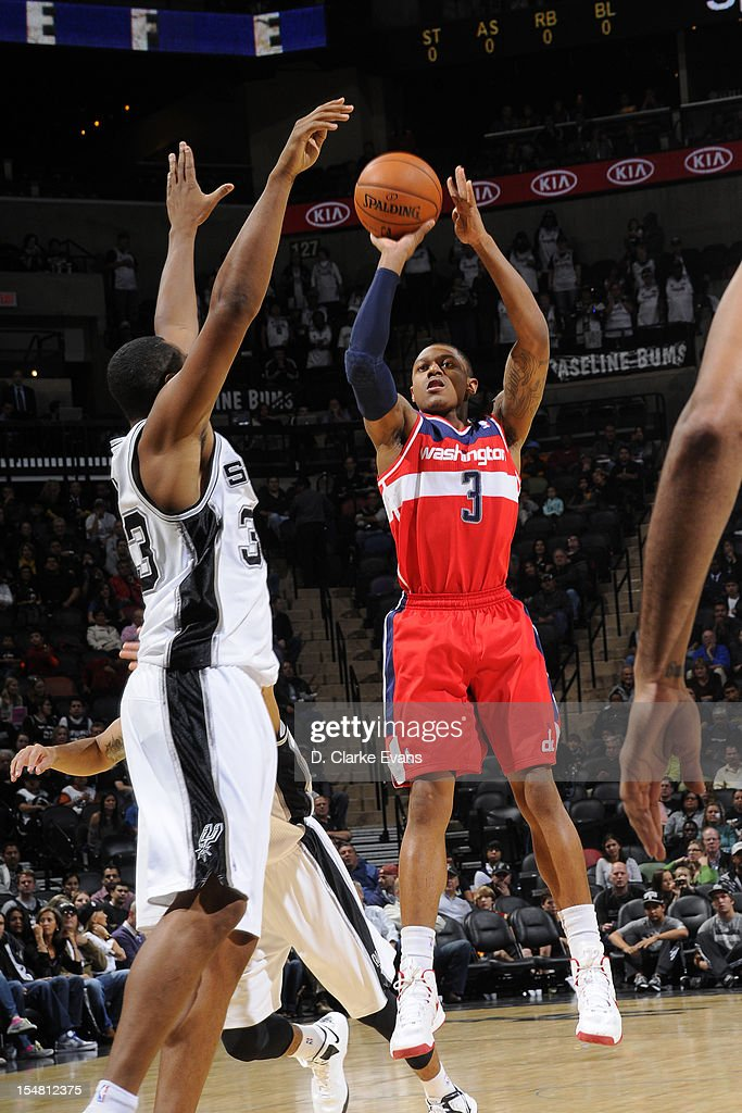 Bradley Beal #3 of the Washington Wizards shoots against the San Antonio Spurs on October 26, 2012 at the AT&T Center in San Antonio, Texas.