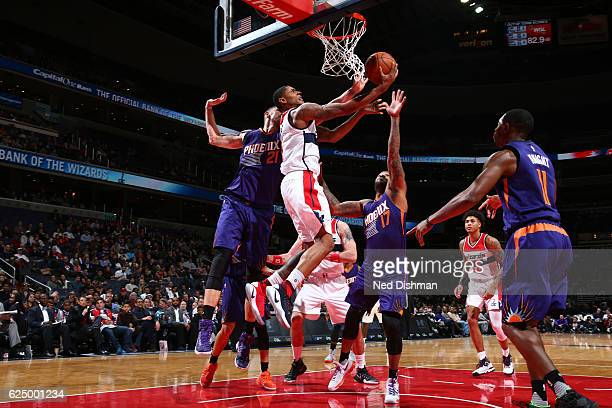 Bradley Beal of the Washington Wizards shoots the ball against the Phoenix Suns on November 21 2016 at Verizon Center in Washington DC NOTE TO USER...