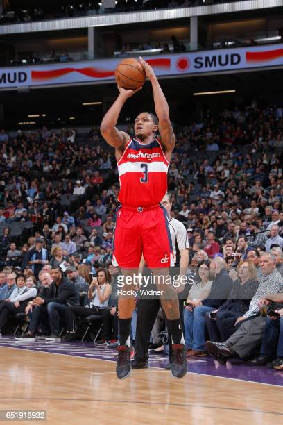 Bradley Beal of the Washington Wizards shoots the ball during a game against the Sacramento Kings on March 10 2017 at Golden 1 Center in Sacramento...