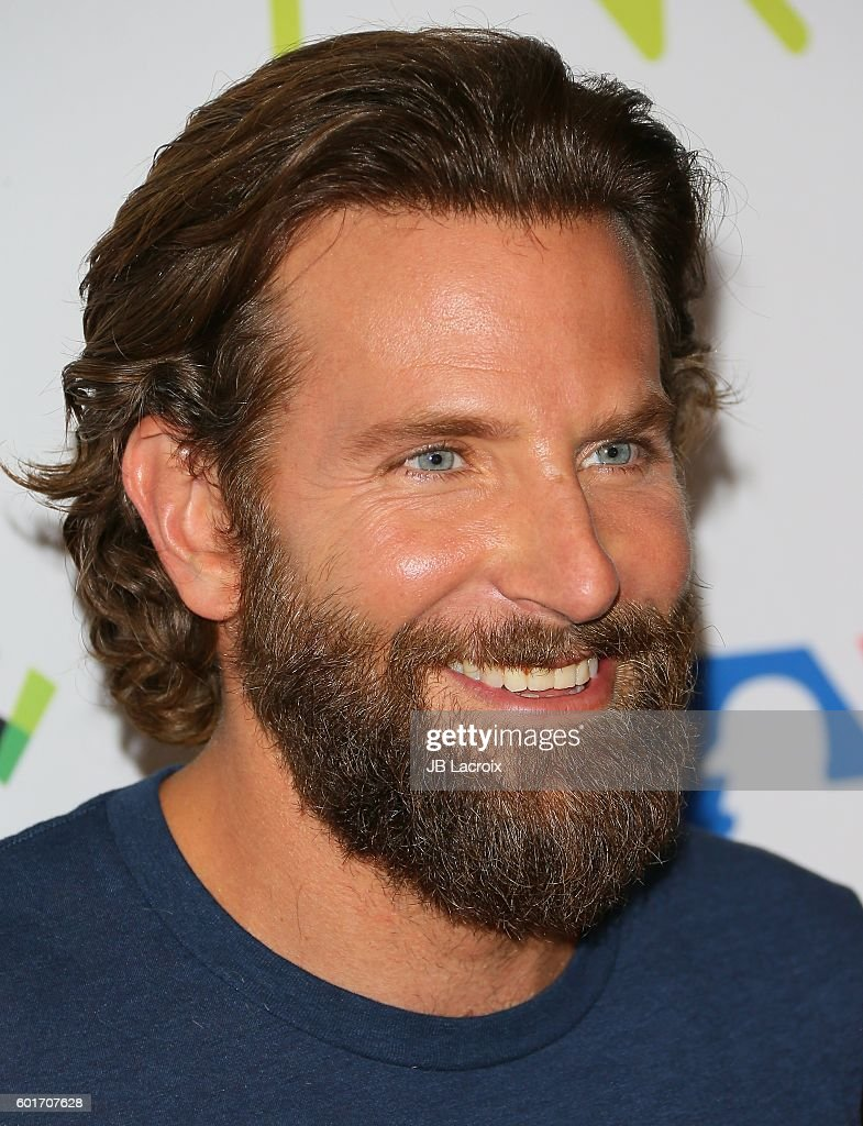 Bradley Cooper attends Hollywood Unites for the 5th Biennial Stand Up To Cancer (SU2C), A Program of The Entertainment Industry Foundation (EIF) at Walt Disney Concert Hall on September 9, 2016 in Los Angeles, California.