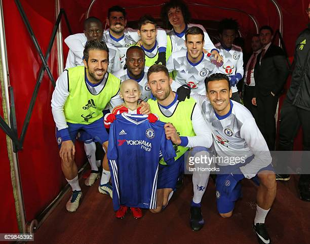Bradley Lowery meets the Chelsea team during the Premier League match between Sunderland and Chelsea at Stadium of Light on December 14 2016 in...