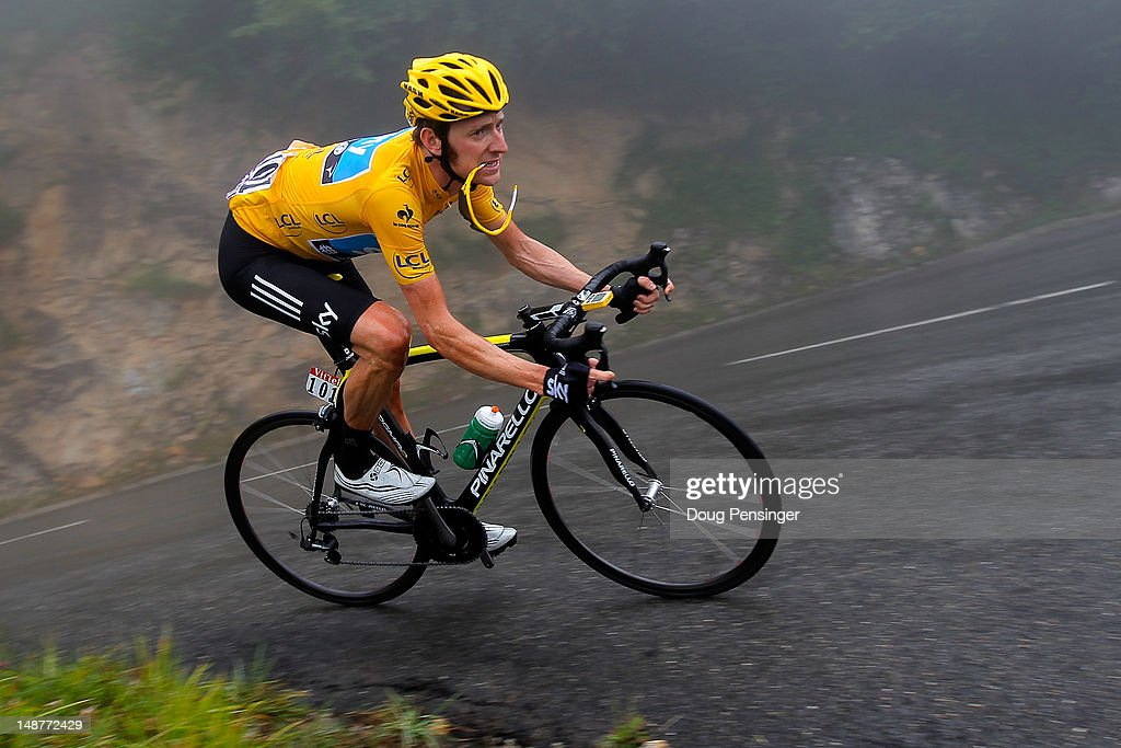 <a gi-track='captionPersonalityLinkClicked' href=/galleries/search?phrase=Bradley+Wiggins&family=editorial&specificpeople=182490 ng-click='$event.stopPropagation()'>Bradley Wiggins</a> of Great Britain riding for Sky Procycling descends the Col de Mente as he defended the race leader's yellow jersey during stage seventeen of the 2012 Tour de France from Bagneres-de-Luchon to Peyragudes on July 19, 2012 in Soulan, France.