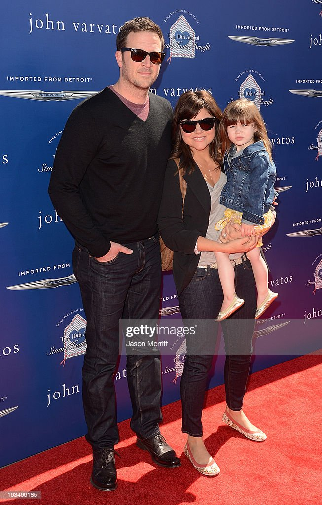 <a gi-track='captionPersonalityLinkClicked' href=/galleries/search?phrase=Brady+Smith&family=editorial&specificpeople=223901 ng-click='$event.stopPropagation()'>Brady Smith</a> and actress <a gi-track='captionPersonalityLinkClicked' href=/galleries/search?phrase=Tiffani+Thiessen&family=editorial&specificpeople=221649 ng-click='$event.stopPropagation()'>Tiffani Thiessen</a> with daughter Harper attend the John Varvatos 10th Annual Stuart House Benefit presented by Chrysler, Kids Tent by Hasbro Studios, at John Varvatos Los Angeles on March 10, 2013 in Los Angeles, California.