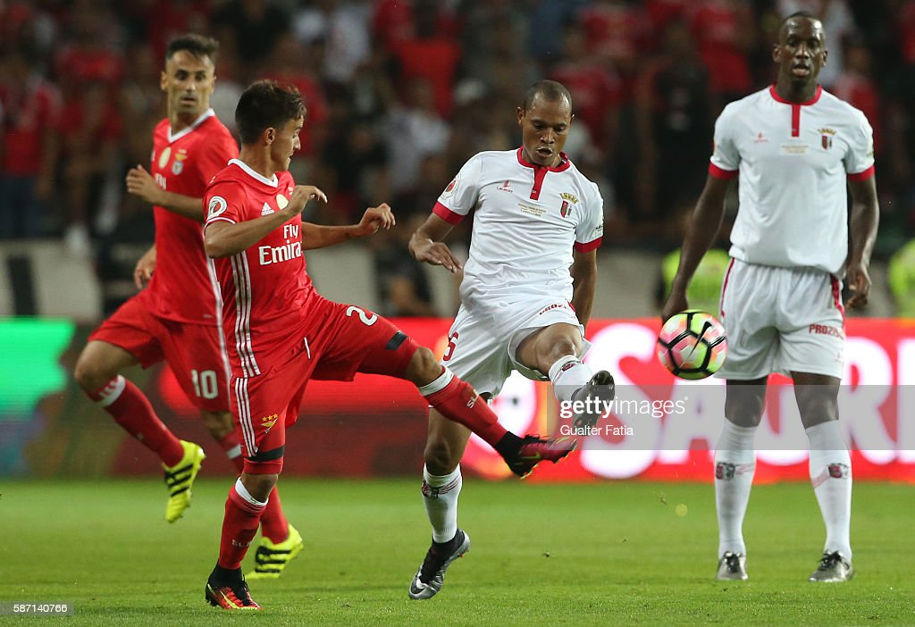Braga's Brazilian defender Baiano with SL Benfica's forward from Argentina Franco Cervi in action during the Super Cup match between SL Benfica and...