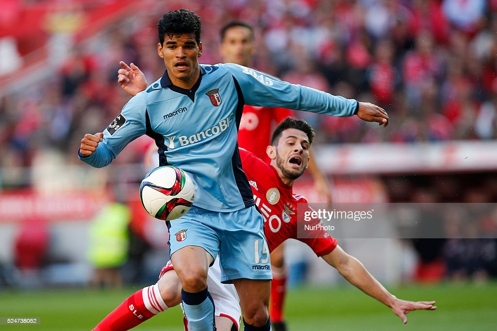 Braga's defender Baiano vies for the ball with Benfica's forward Pizzi during the Portuguese League football match between SL Benfica and SC Braga at...