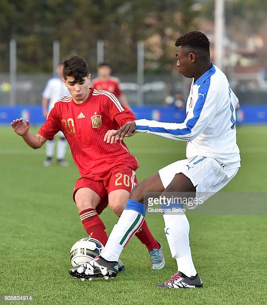 Brahim Diaz of Spain and Byoti Moise Kean of Italy in action during the international friendly match between Italy U17 and Spain U17 on January 20...