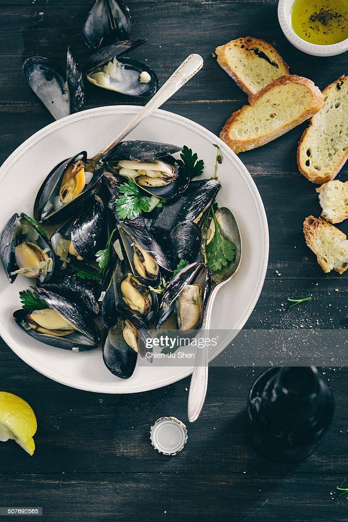 Braised mussels