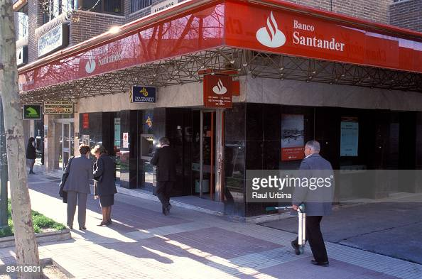 Santander bank stock photos and pictures getty images for Banco santander abierto sabado madrid