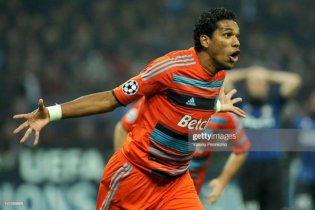 Brandao of Olympique de Marseille celebrates after scoring a goal during the UEFA Champions League Round of 16 second leg match between FC Internazionale Milano and Olympique de Marseille at Stadio Giuseppe Meazza on March 13, 2012 in Milan, Italy.