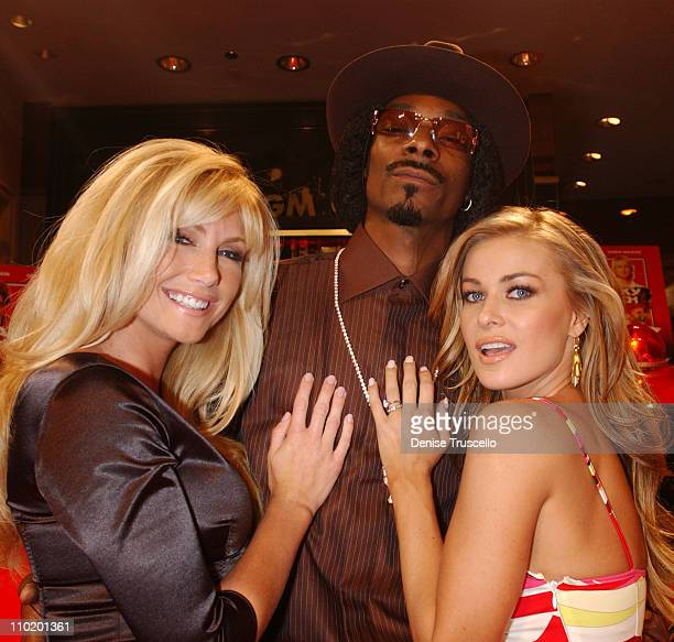 Brande Roderick Snoop Dogg and Carmen Electra during Warner Home Video Celebrates The DVD and VHS Premiere of 'Starsky Hutch' at Studio 54 In The MGM...