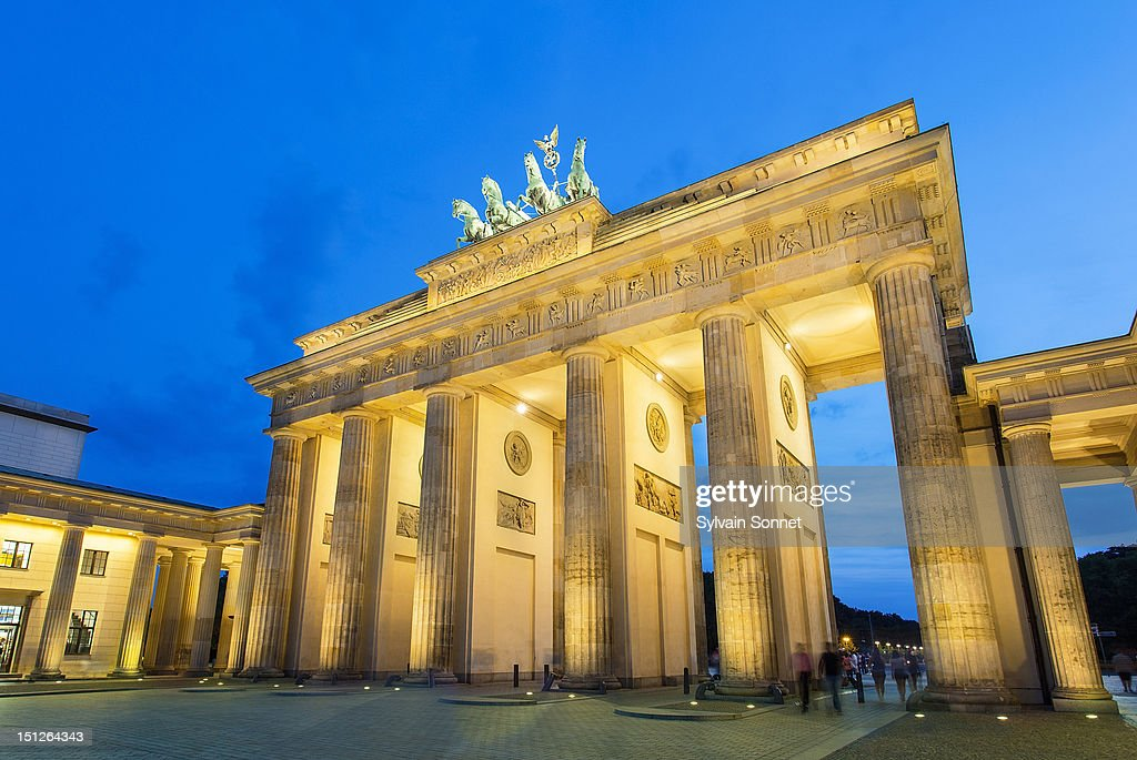 brandenburg gate at night - photo #27