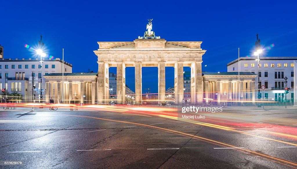 brandenburg gate at night - photo #18