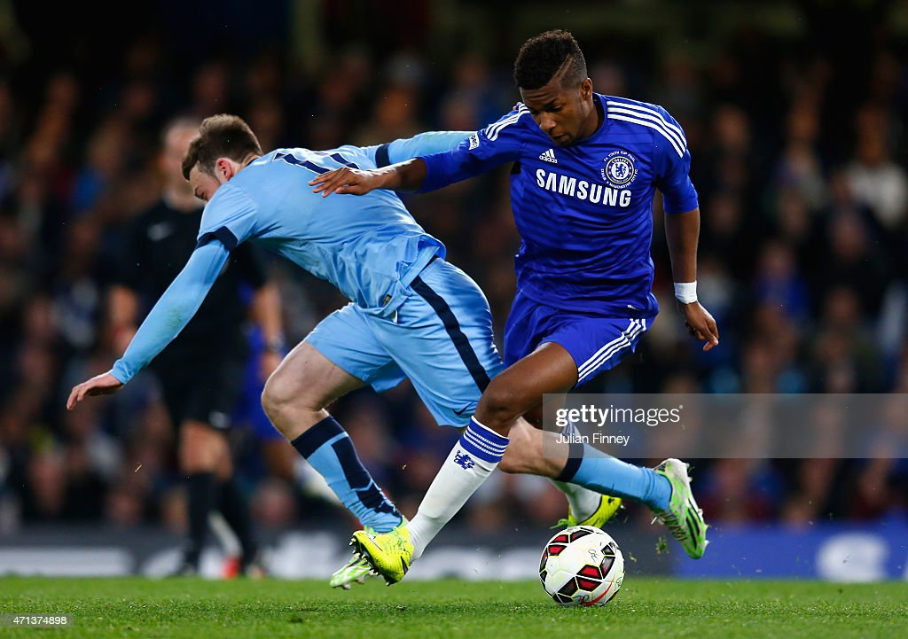 Brandon Barker of Man City battles with Kasey Palmer of Chelsea during the FA Youth Cup Final second leg match between Chelsea and Manchester City at...