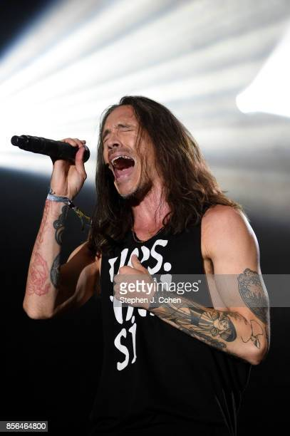 Brandon Boyd of Incubus performs at Champions Park on October 1 2017 in Louisville Kentucky