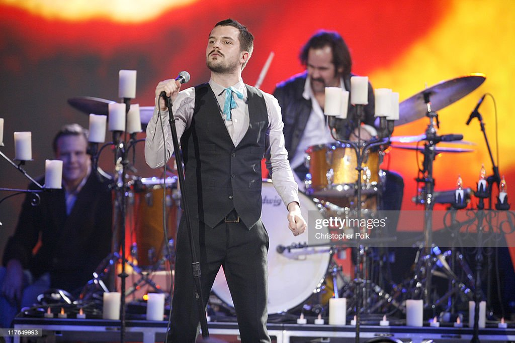 Brandon Flowers and <a gi-track='captionPersonalityLinkClicked' href=/galleries/search?phrase=Ronnie+Vannucci&family=editorial&specificpeople=228165 ng-click='$event.stopPropagation()'>Ronnie Vannucci</a> of the Killers perform