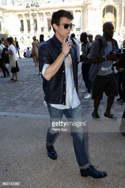 Brandon Flynn arrives at the Cerruti Menswear Spring/Summer 2018 show as part of Paris Fashion Week on June 23 2017 in Paris France