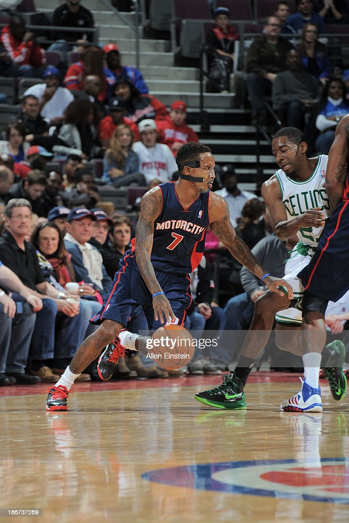 Brandon Jennings #7 of the Detroit Pistons drives against <a gi-track='captionPersonalityLinkClicked' href=/galleries/search?phrase=Jordan+Crawford&family=editorial&specificpeople=4779380 ng-click='$event.stopPropagation()'>Jordan Crawford</a> #27 of the Boston Celtics on November 3, 2013 at The Palace of Auburn Hills in Auburn Hills, Michigan.