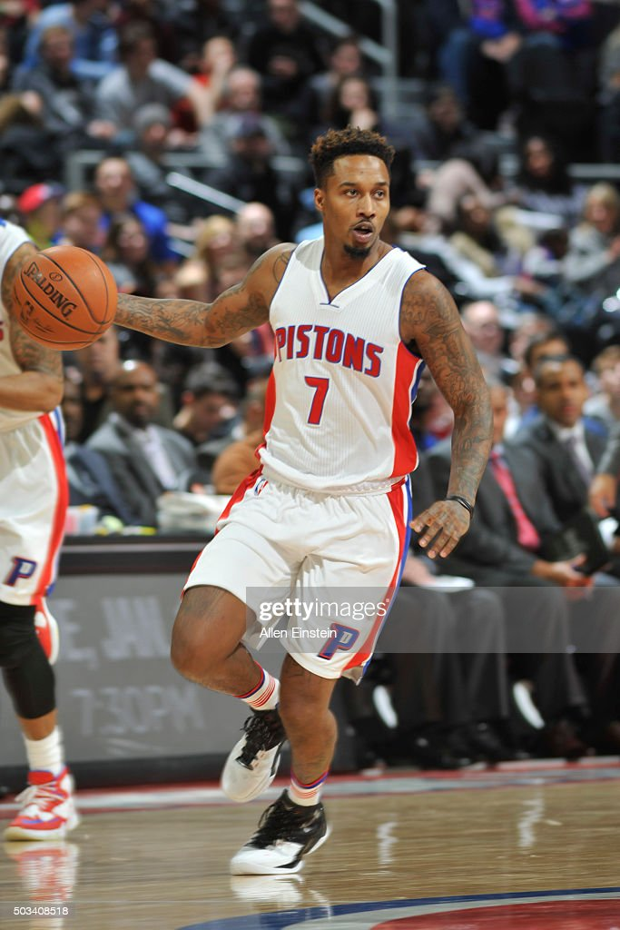 <a gi-track='captionPersonalityLinkClicked' href=/galleries/search?phrase=Brandon+Jennings+-+Jogador+de+basquete&family=editorial&specificpeople=6022589 ng-click='$event.stopPropagation()'>Brandon Jennings</a> #7 of the Detroit Pistons drives to the basket against the Orlando Magic during the game on January 4, 2016 at The Palace of Auburns in Auburn Hills, Michigan.