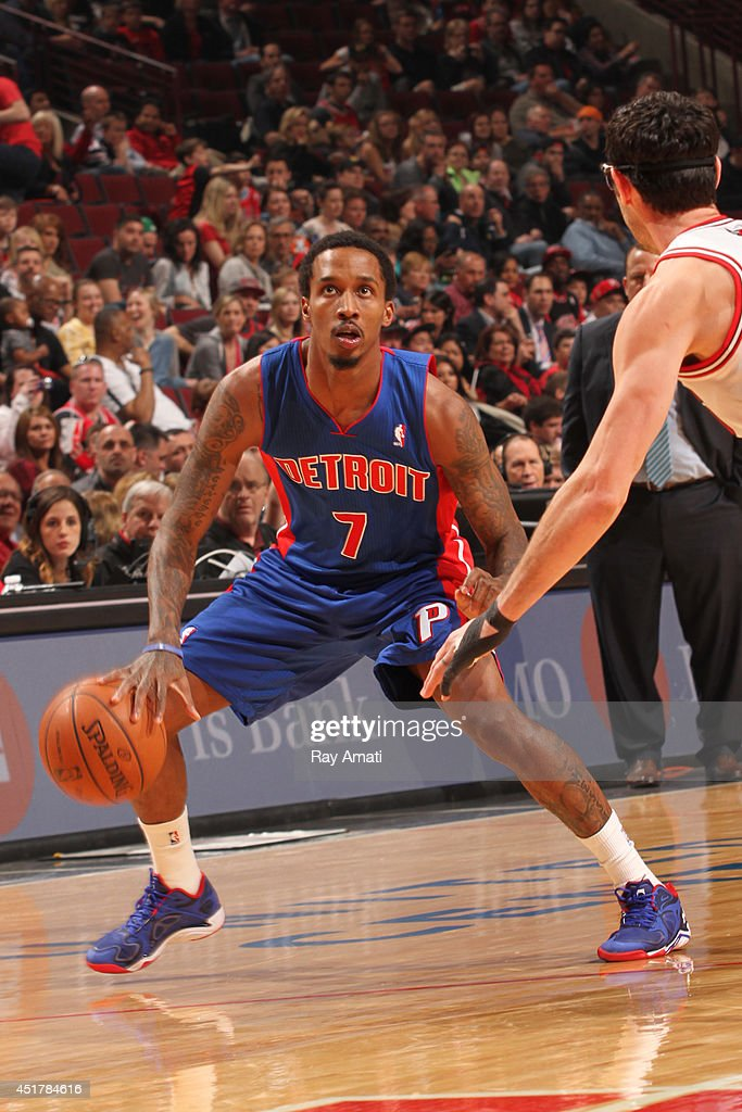 Brandon Jennings #7 of the Detroit Pistons handles the ball against the Chicago Bulls on April 11, 2014 at the United Center in Chicago, Illinois.