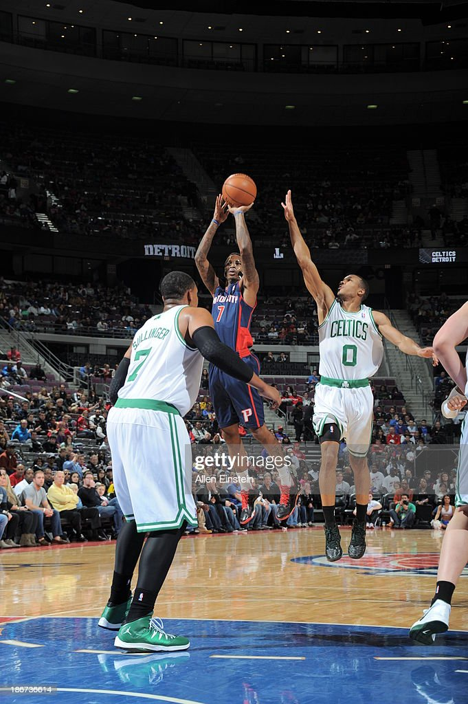 Brandon Jennings #7 of the Detroit Pistons shoots against <a gi-track='captionPersonalityLinkClicked' href=/galleries/search?phrase=Avery+Bradley&family=editorial&specificpeople=5792051 ng-click='$event.stopPropagation()'>Avery Bradley</a> #0 of the Boston Celtics on November 3, 2013 at The Palace of Auburn Hills in Auburn Hills, Michigan.