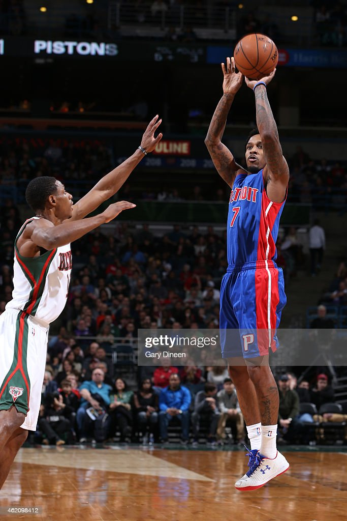 <a gi-track='captionPersonalityLinkClicked' href=/galleries/search?phrase=Brandon+Jennings+-+Jogador+de+basquete&family=editorial&specificpeople=6022589 ng-click='$event.stopPropagation()'>Brandon Jennings</a> #7 of the Detroit Pistons takes a shot against the Milwaukee Bucks on January 24, 2015 at BMO Harris Bradley Center in Milwaukee, Wisconsin .