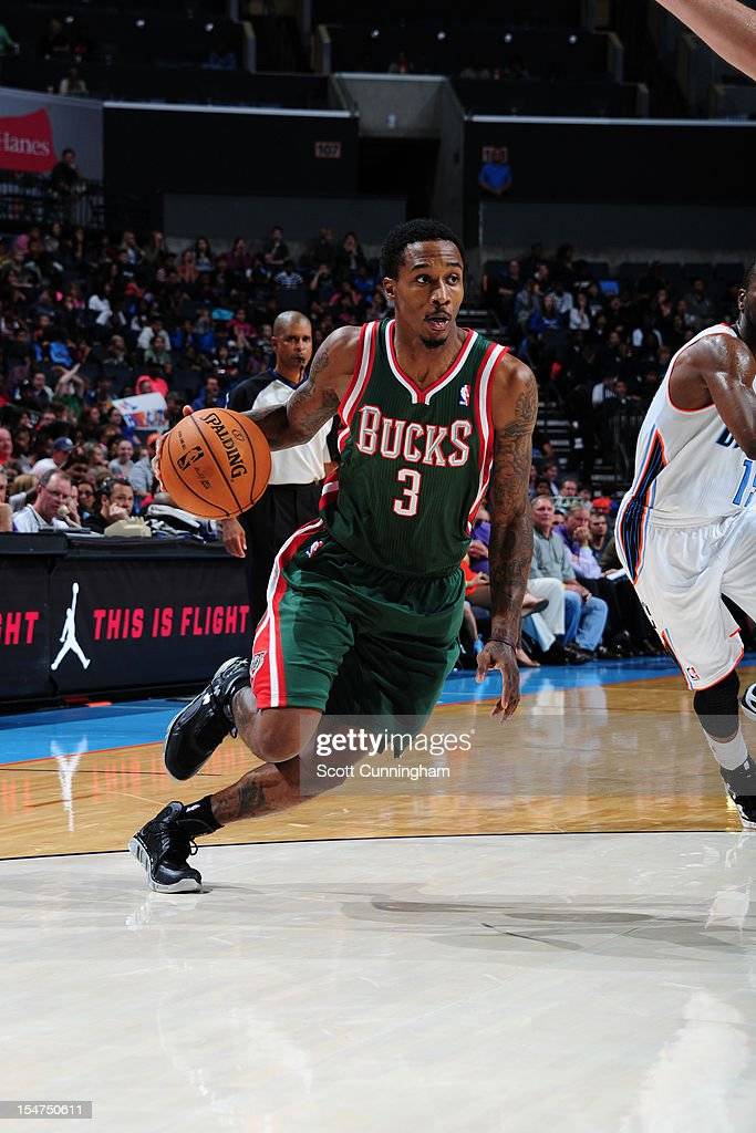 Brandon Jennings #3 of the Milwaukee Bucks handles the ball against the Charlotte Bobcats at the Time Warner Cable Arena on October 25, 2012 in Charlotte, North Carolina.
